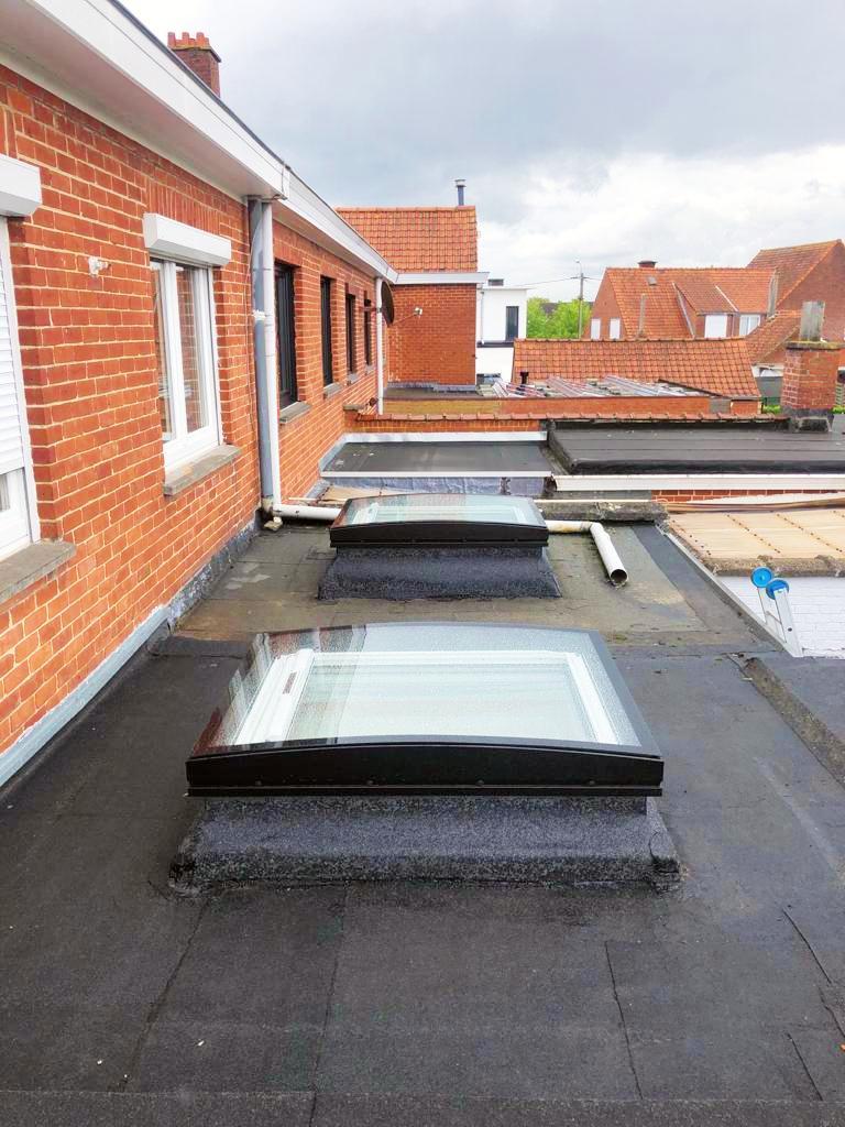 De dakvensterinstallateur: Vervangen van oude koepels door Curve Tech van Velux